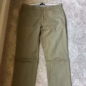 BANANA REPUBLIC DARK KHAKI CHINOS